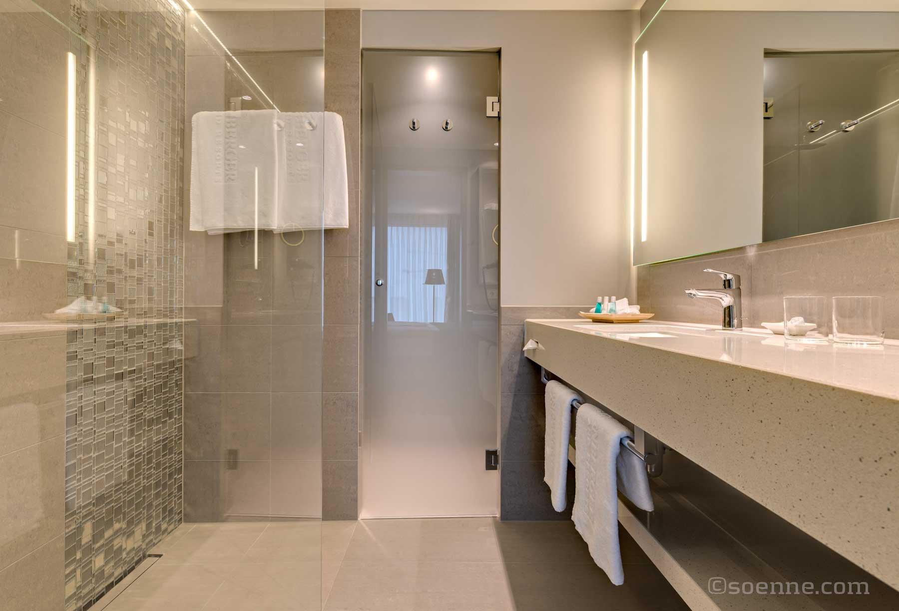 Badezimmer berlin simple badumbau berlin badideen for Badezimmer berlin