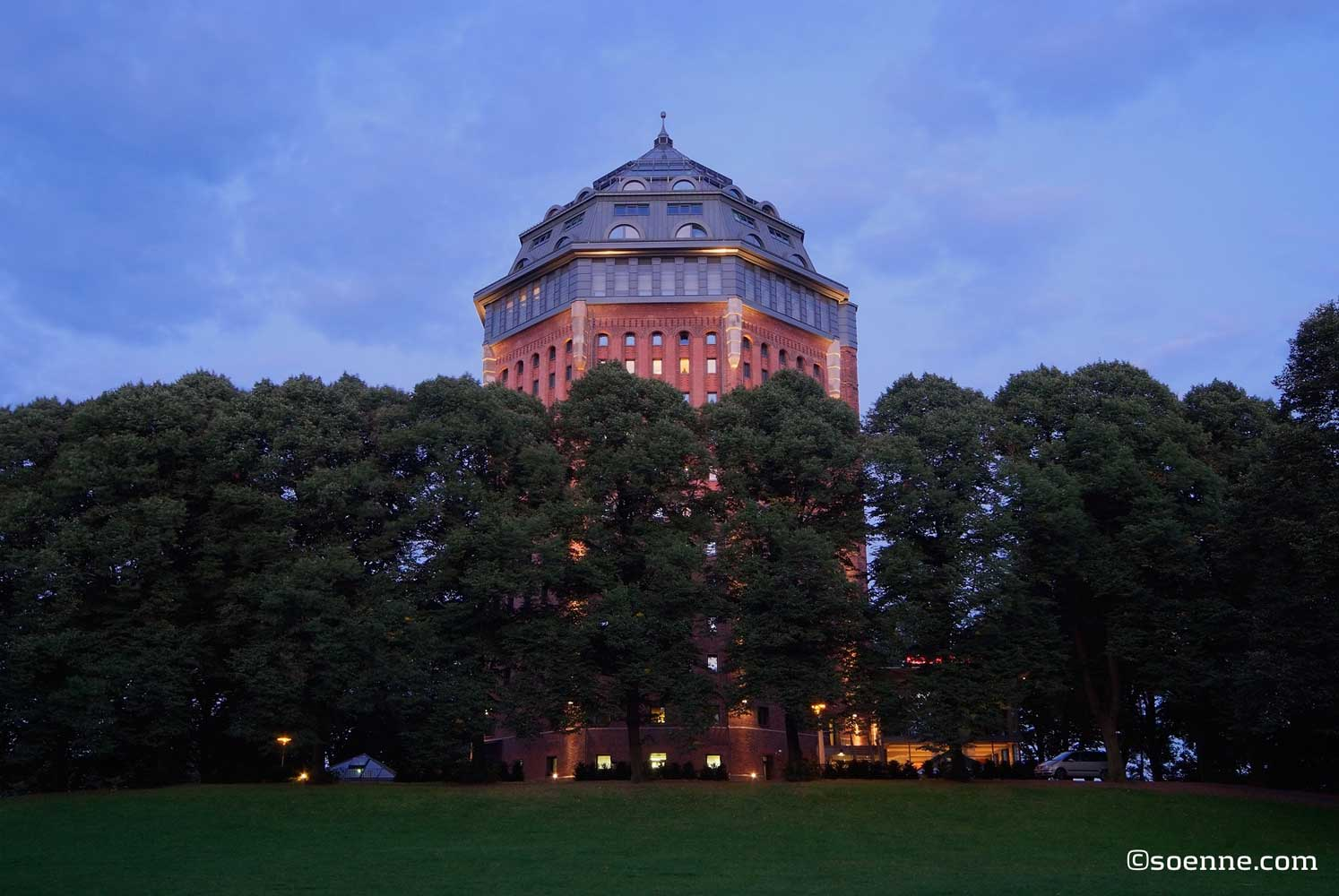 Hamburg: Moevenpick Wasserturm | Soenne Hotelfotografie